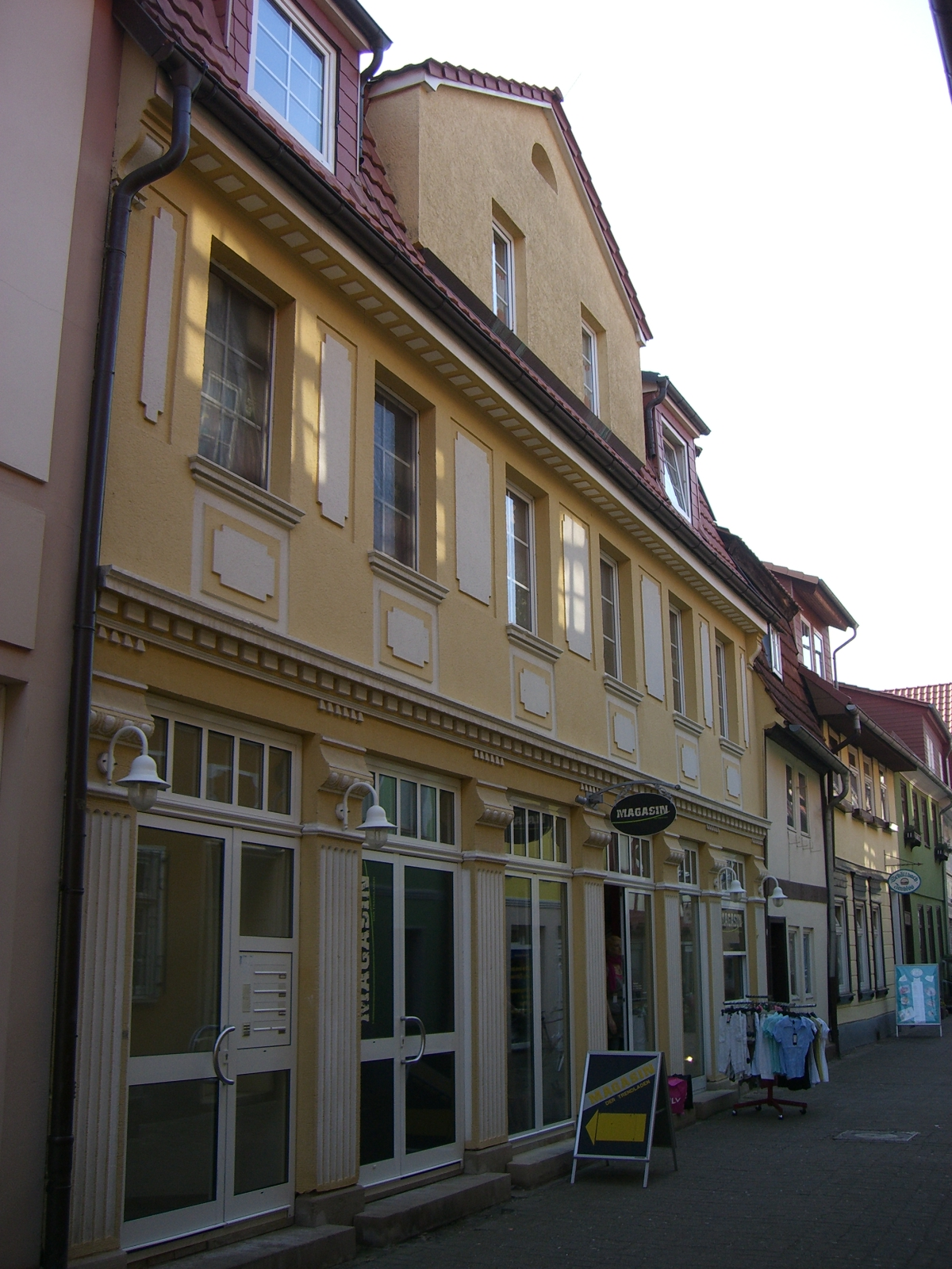 Ladengeschäft im Schöllbach 1-5